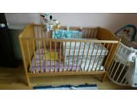 Mamas and papa's toddler bed/cot