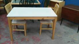 White table with 2 chairs