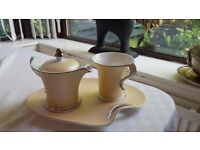 The Leonardo Collection Teapot and Cup for 1