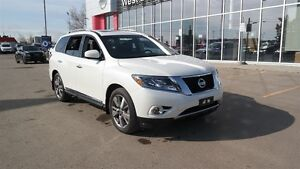 2016 Nissan Pathfinder Platinum, All wheel drive, Leather, DVD