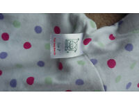 Morrck Hoodie Travel Wrap 5-18 months in purple. Excellent condition