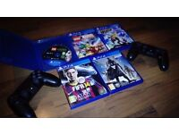 Ps4 slim with 2 Pads and 5 Games suitable for children Lego Rachet and Clank fifa