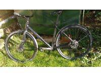 great CUBE Hyde bicycle, 19 inch frame, 28 inch wheels, Schwalbe 700x40C tyres, pristine condition