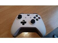 Xbox One S Controller - Pracitcally Brand New but Faulty
