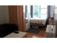Part-furnished studio flat, London Road, Reading