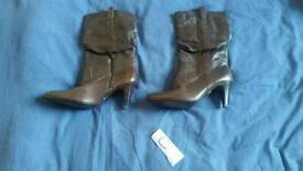 Ladies heels boots river fashion foot