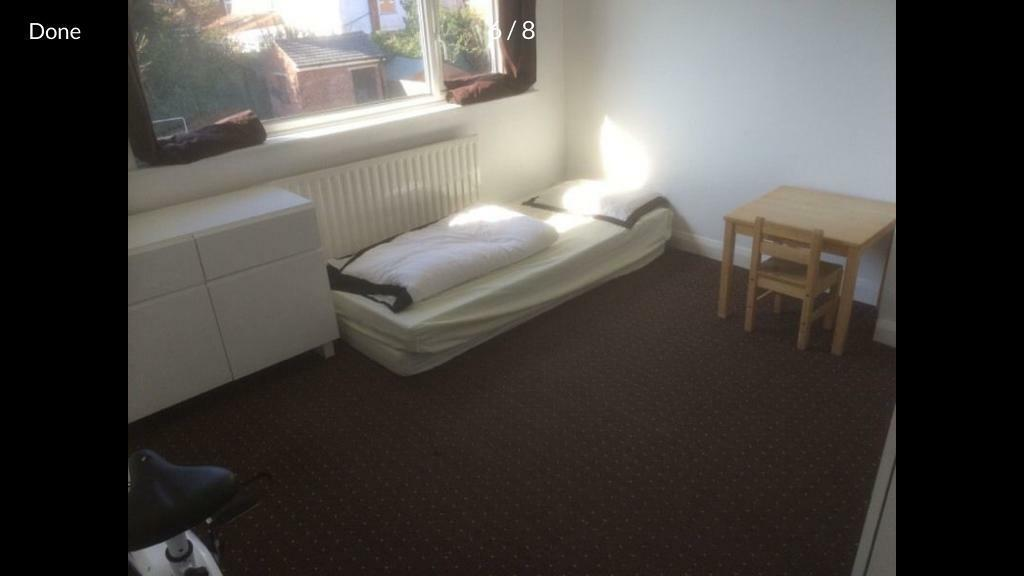 Small Box Rooms to Let Rent / Lodger wanted Live out landlord - LE5 6G