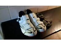 Cycling shoes size 43 and clip on pedals