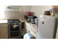 Stunning 2 bed flat near Kilburn station, available now!!