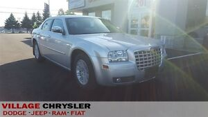 2010 Chrysler 300 TOURING,LEATHER,HEATED PWR SEATS.