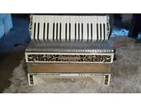 Vintage Hohner Verdi 111 120 Base Accordian