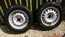 Caravan or trailer spare wheels