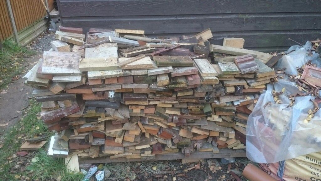 Free wood eg for outdoor fire pit