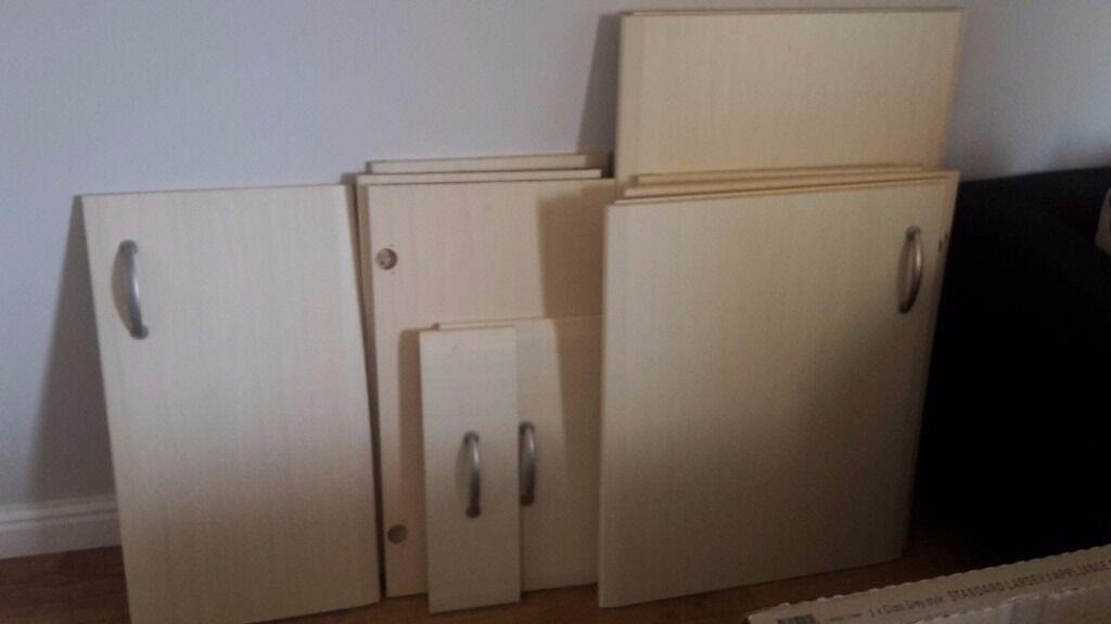 B Q It Sanford Maple Style Kitchen Doors For Sale In Swindon