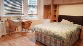 Studio Available Now in Willesden Green NW2 - Ideal for Professional - Near Station - Furnished