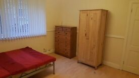 bedsit double roon very spacious to rent ,beautiful location four marks/alton/hampshire