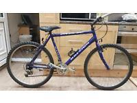 "Raleigh Max adults mountain hybrid bike. 20"" frame. 26"" wheels. Fully working"