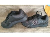 Five ten impact stealth bike shoes.