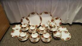 Royal albert counrty rose tea set