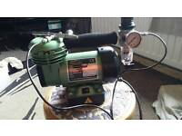 Modelers mini air compressor with air brush