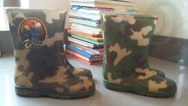 2 pairs of boys camoflauge wellies sizes 9 & 10