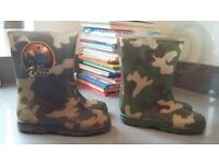 2 pairs of boys camoflauge wellies sizes 9 & 10