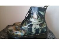 Doc martins size 8 boots