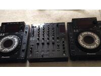 pair of pioneer cdj 900 and pioneer djm 800 mixer