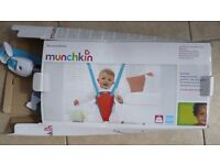 Baby Bouncer - Munchkin - As New
