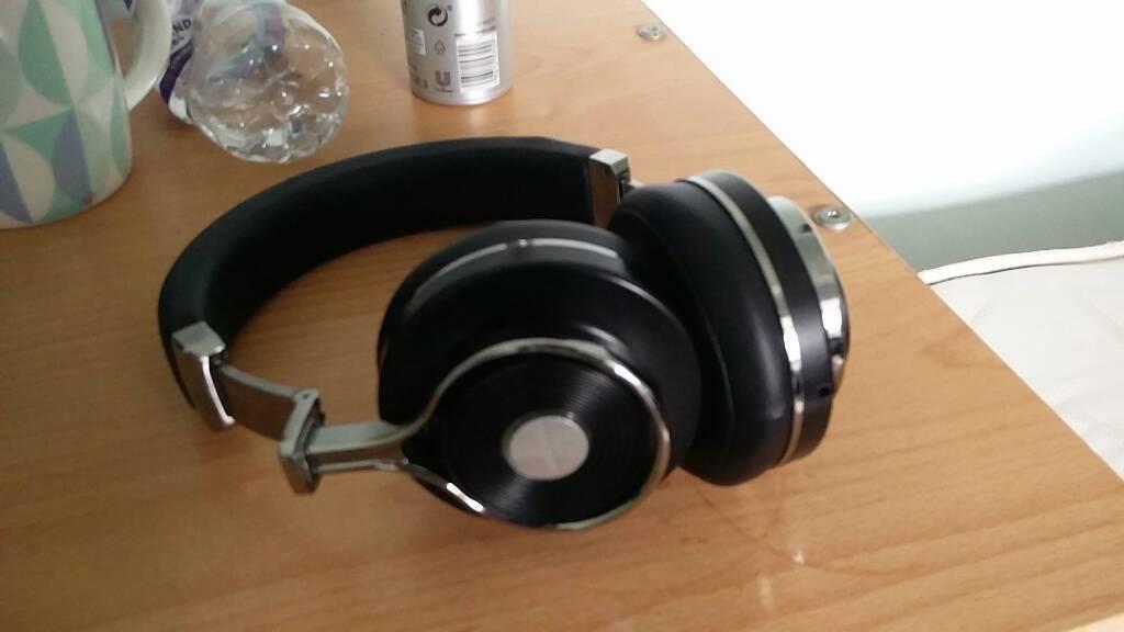 Bluedio T3 Wireless headphonea