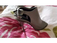 Lovely ladies grey high heels, size 4