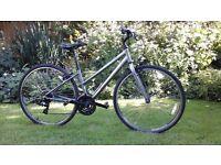 Ladies Trek Hybrid bike in great condition