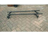 2 x Halford roof bars 1040