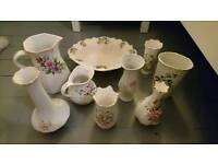 Assorted pieces of vintage style crockery