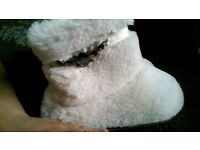 fluffy slipper boots size 5