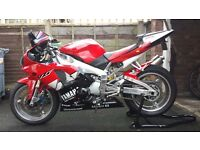 Stunning 1999 yamaha r1