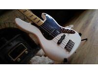 🎸Squier Vint Mod Jazz Bass V 🎸 Excellent Condition, Pro Setup