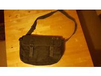 Khaki messenger bag by Roxy. Only £2!