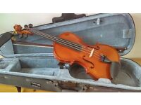 3/4 violin, with shoulder rest