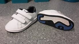 Lonsdale infant white trainers