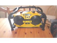 Very clean Dewalt DC011 Site Radio/Battery charger, GWO, see photos & details