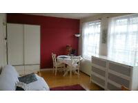 Very large double room for rent in Purley/Croydon (3x5meters) - Duzy pokoj do wynajecia w Purley