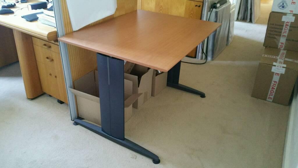100 X 80cm Wings Office Desk