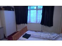 Very Large double bedroom for couple in a Professional shared House in Filton