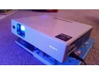 Sony Projector vpl cx70. TV XBOX PS4