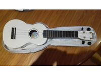 Ukulele with carry case (by Mahalo)
