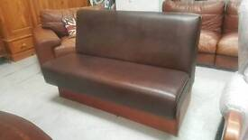 Leather bench in vgc can deliver 07808222995