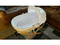 White Clair de Lune Waffle Moses basket with Stand