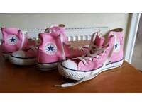 2 pairs Converse all star