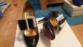 Ladies Faith Black & White Shoes, Size 3